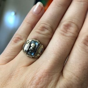 Jewelry - 10k gold + gem vintage class ring by Jostens